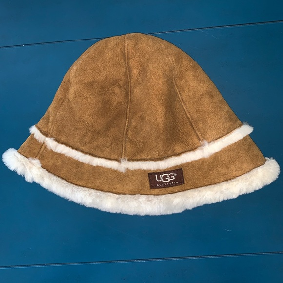 9530481a4 UGG Shearling and Leather Bucket Hat